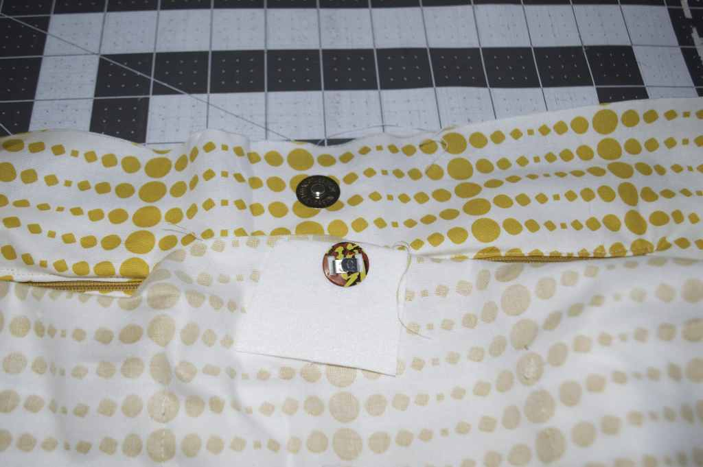 Add A Magnetic Snap, DIY Sewers Tote Tutorial