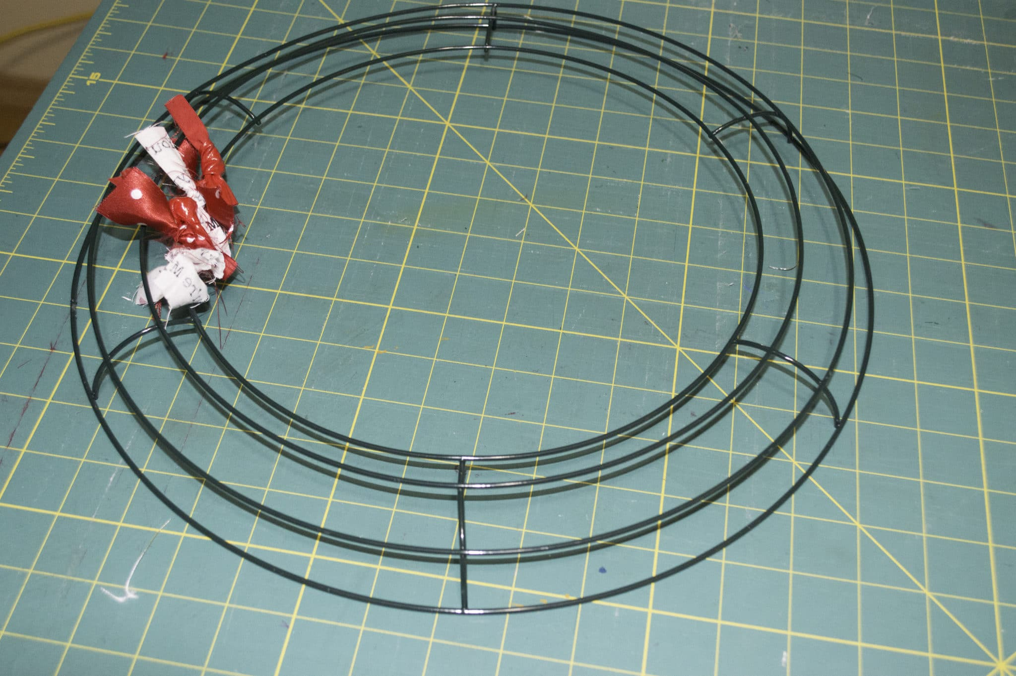 Awesome Metal Wreath Frame Frieze - Ideas de Marcos - lamegapromo.info