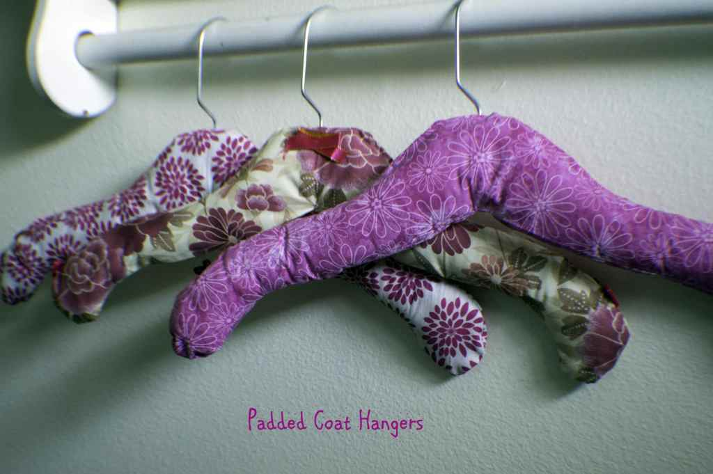 Padded-Coat-Hangers-1024x681 25 Easy to Make Fat Quarter Projects