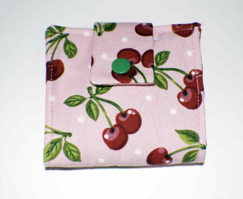 Completed-Wallet-1024x839 25 Easy to Make Fat Quarter Projects