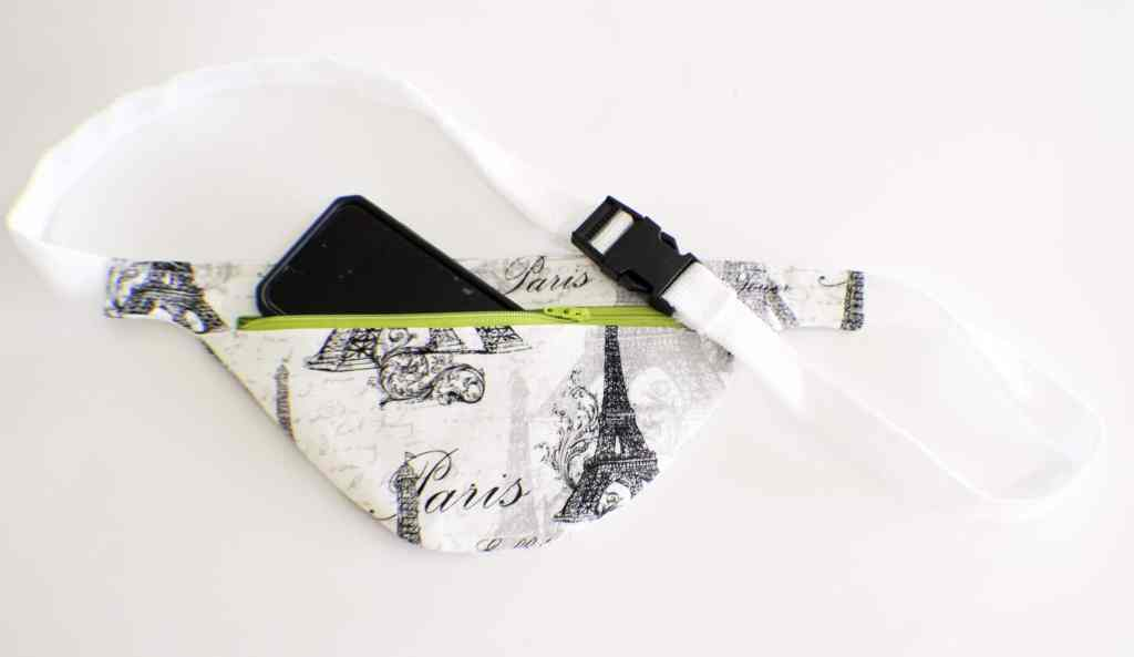 Finished-Fanny-Pack-1024x593 25 Easy to Make Fat Quarter Projects