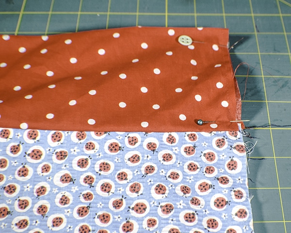 How to make a pillow case in 6 easy steps