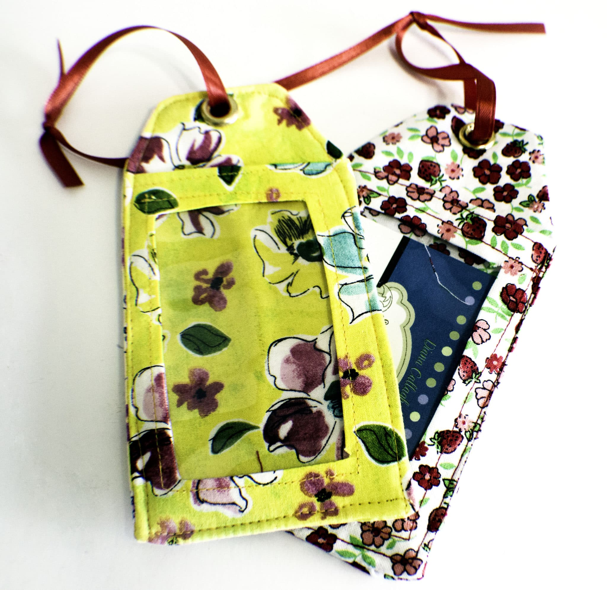 Sewing tutorial: DIY luggage tags
