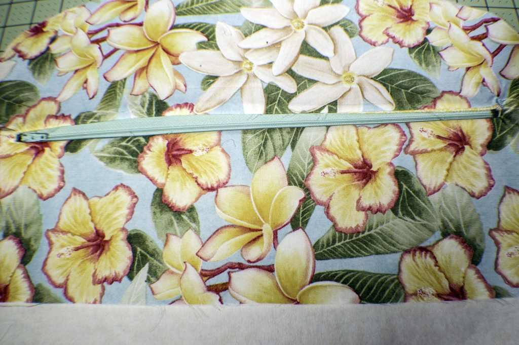 Add-the-Zipper-1024x681 How to Make a Fabric Closet Safe