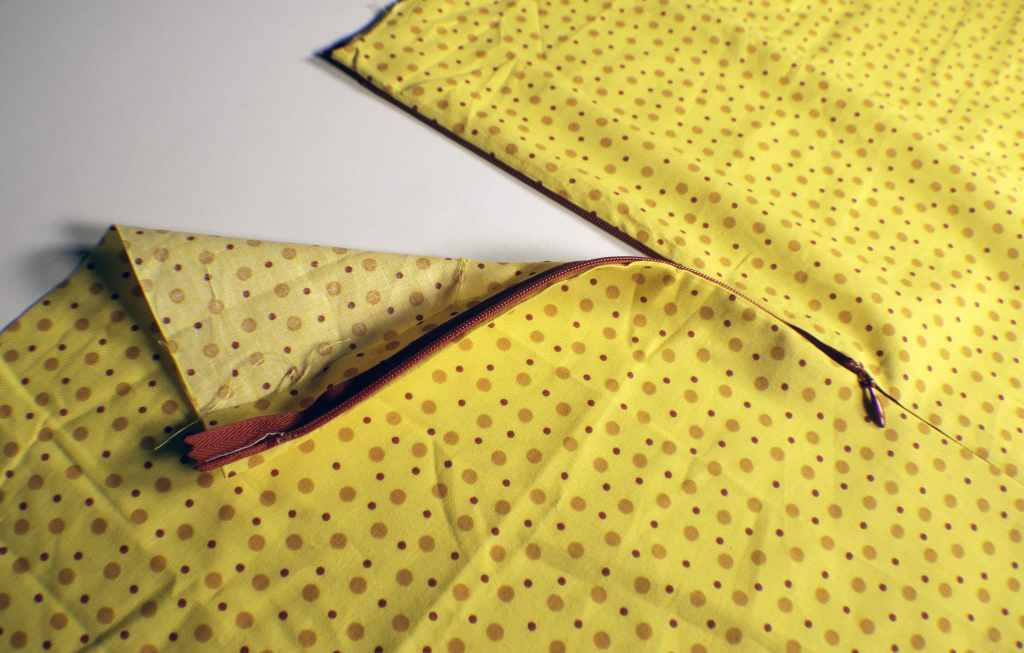 Open-Zipper-1024x653 Learn to Sew: How to Sew an Invisible Zipper
