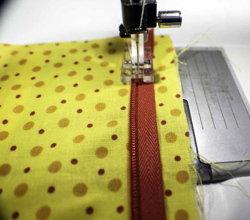 Place-Coil-in-Left-Groove-of-Invisible-Zipper-Foot-1024x900 Learn to Sew: How to Sew an Invisible Zipper