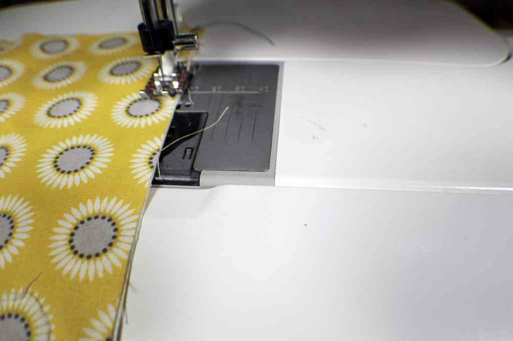 Learn to Sew: how to easily sew a straight line