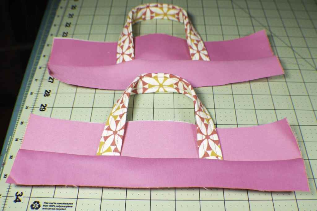 Add-the-second-piece-to-the-rim-1024x681 How to Make a Pretty Little Lunch Bag