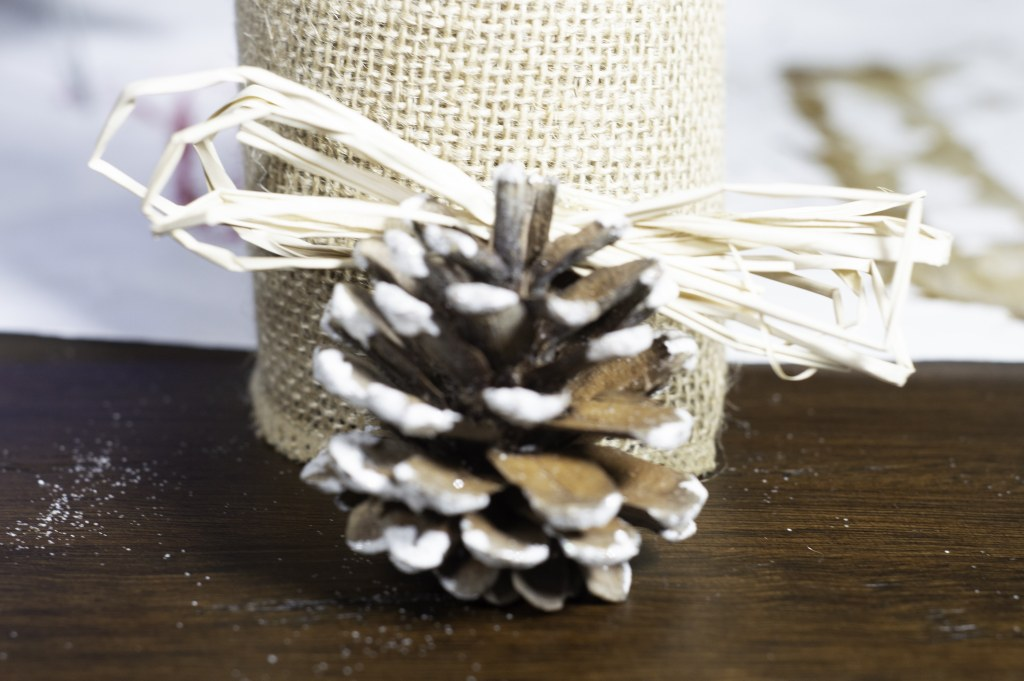 4 Beautiful DIY Pine Cone Christmas Ornaments