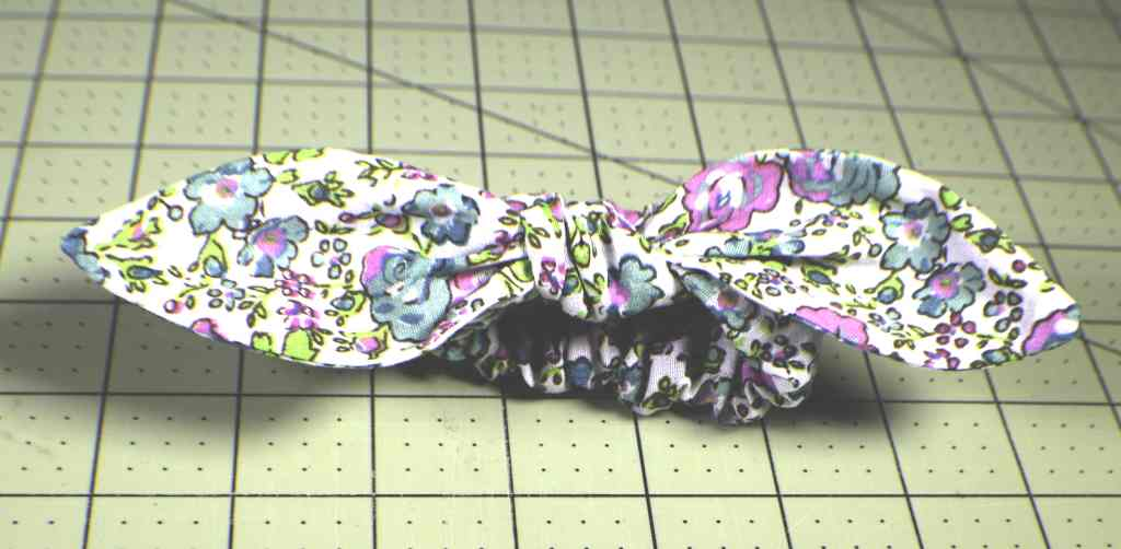 How to make a bow scrunchie