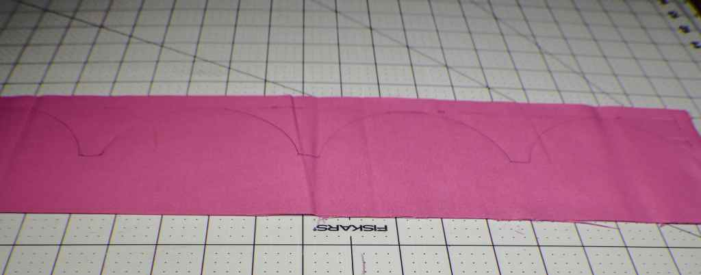 How to make scallop edged pillow cases