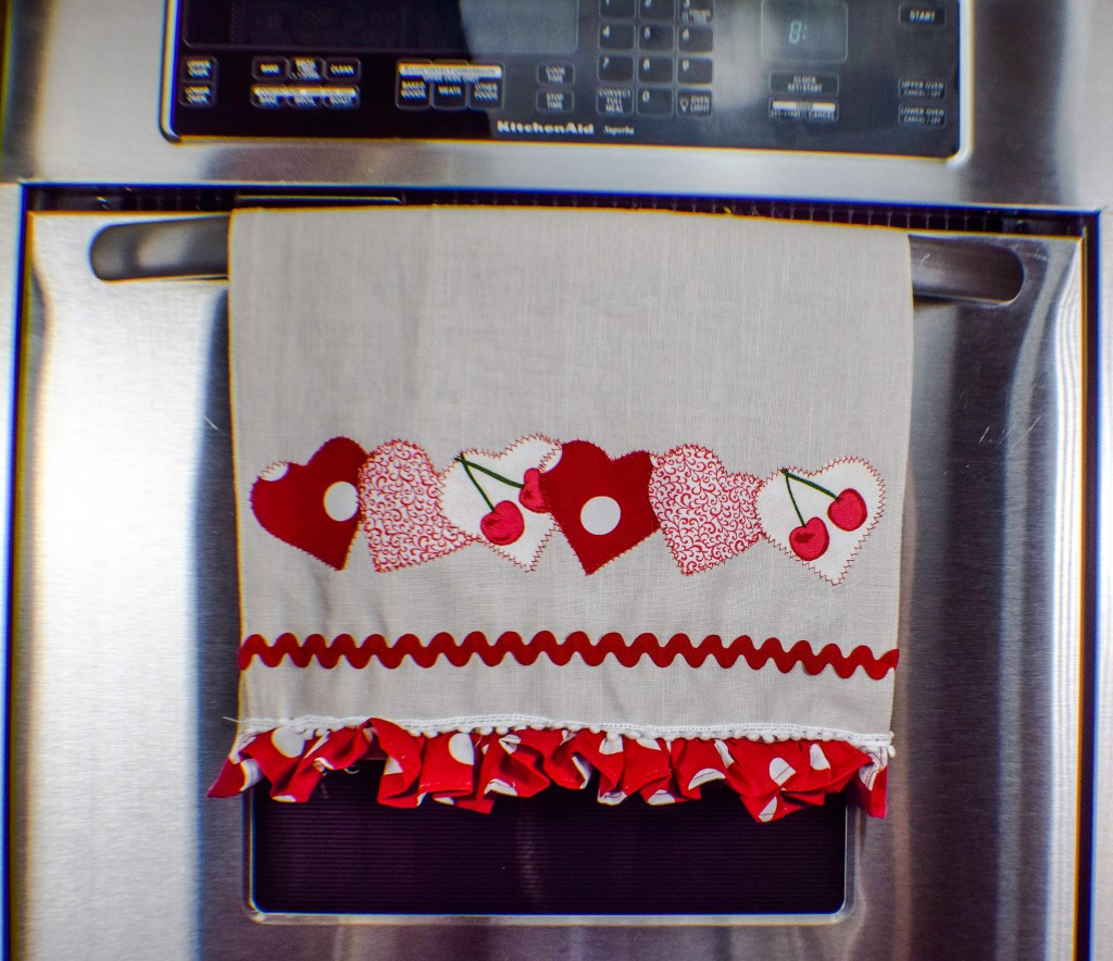 how to make holiday dish towels