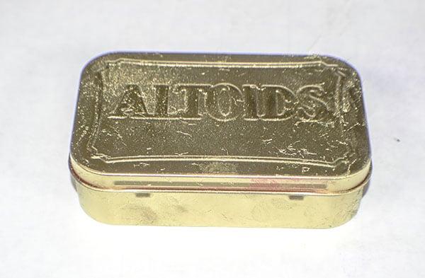 Make an Altoids Tin Clutch