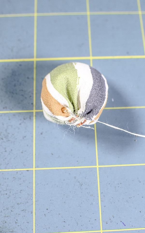 How to make fabric acorns