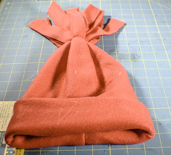 How to make a simple fleece hat