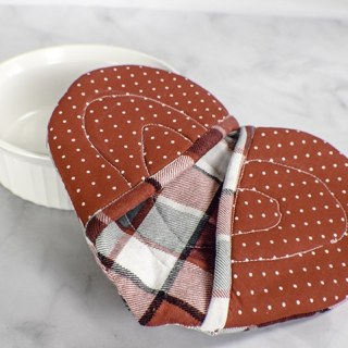 How to make a heart potholder