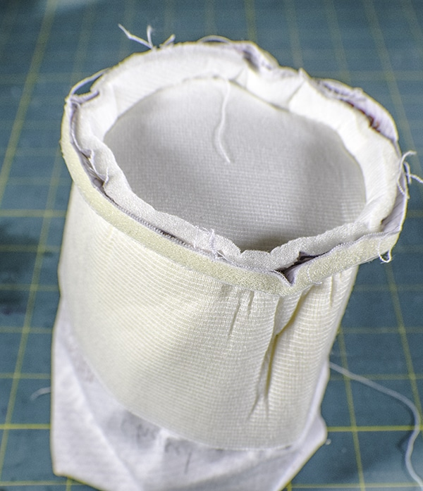 How to make a padded camera lens case
