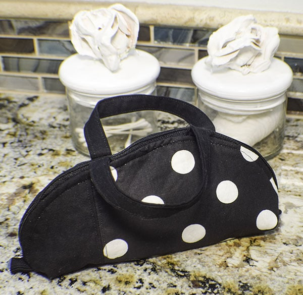 how to make a DIY makeup bag with handles