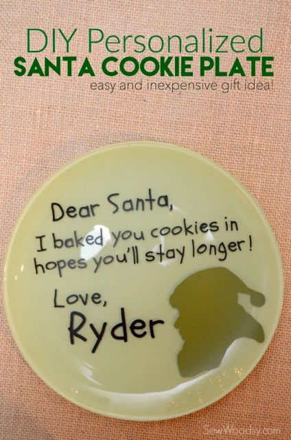 DIY Personalized Santa Cookie Plate #cricutdesignspacestar #imadeit #christmas