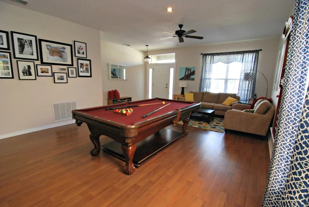 pool table in house