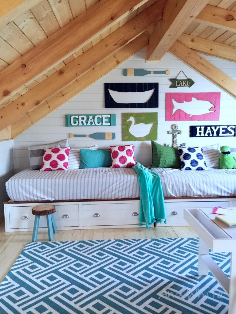 Easiest DIY Daybeds:Captain Beds
