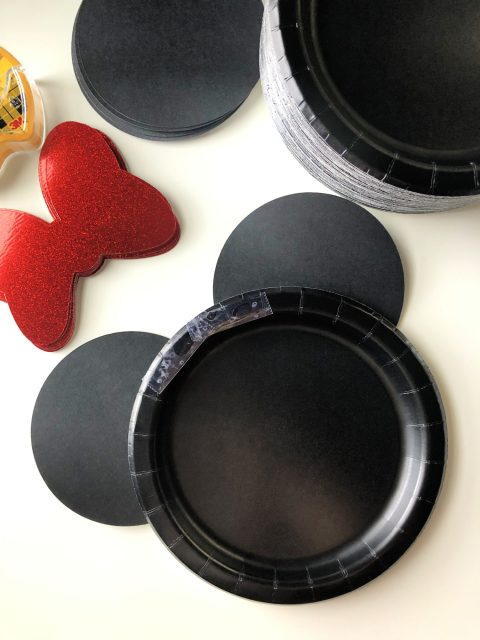 DIY Minnie Mouse Paper Plates Step 3