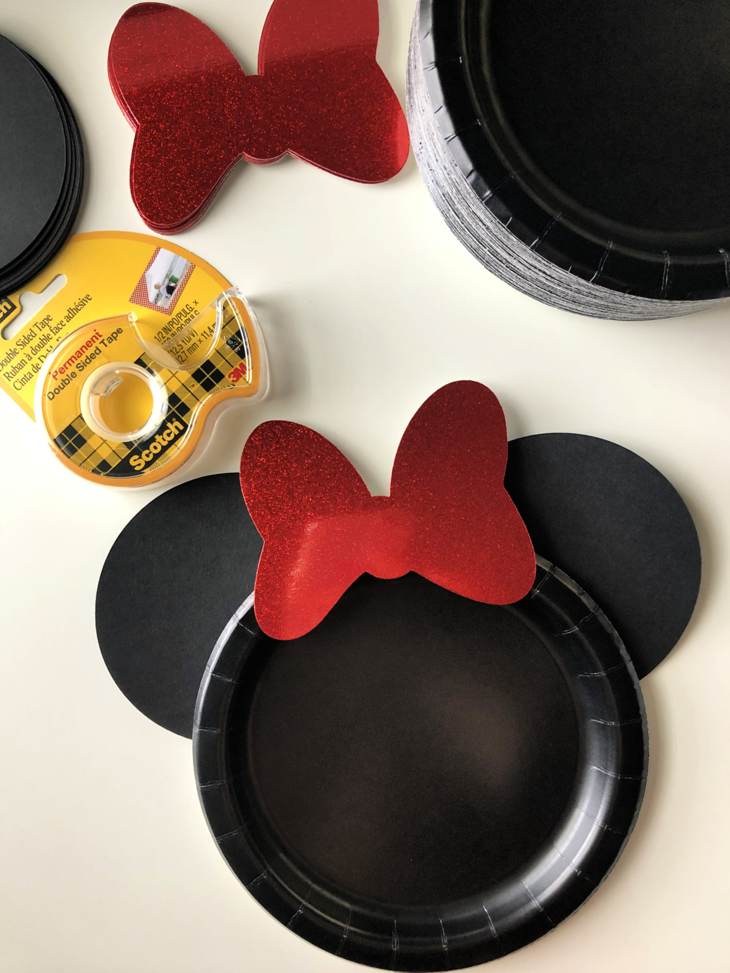 DIY Minnie Mouse Paper Plates Step 4