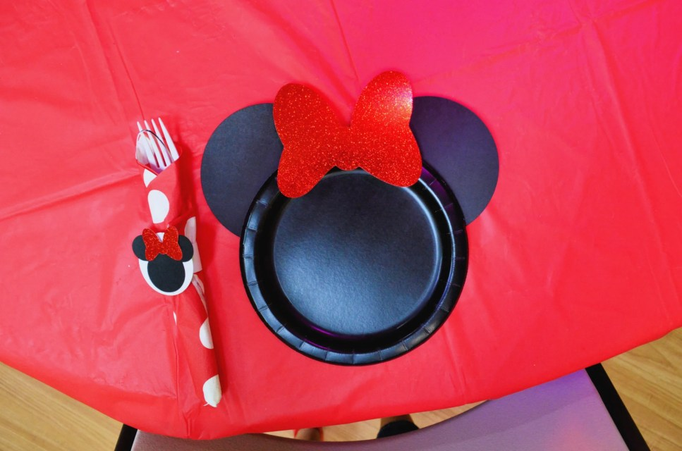 DIY Minnie Mouse Paper Plates Supplies