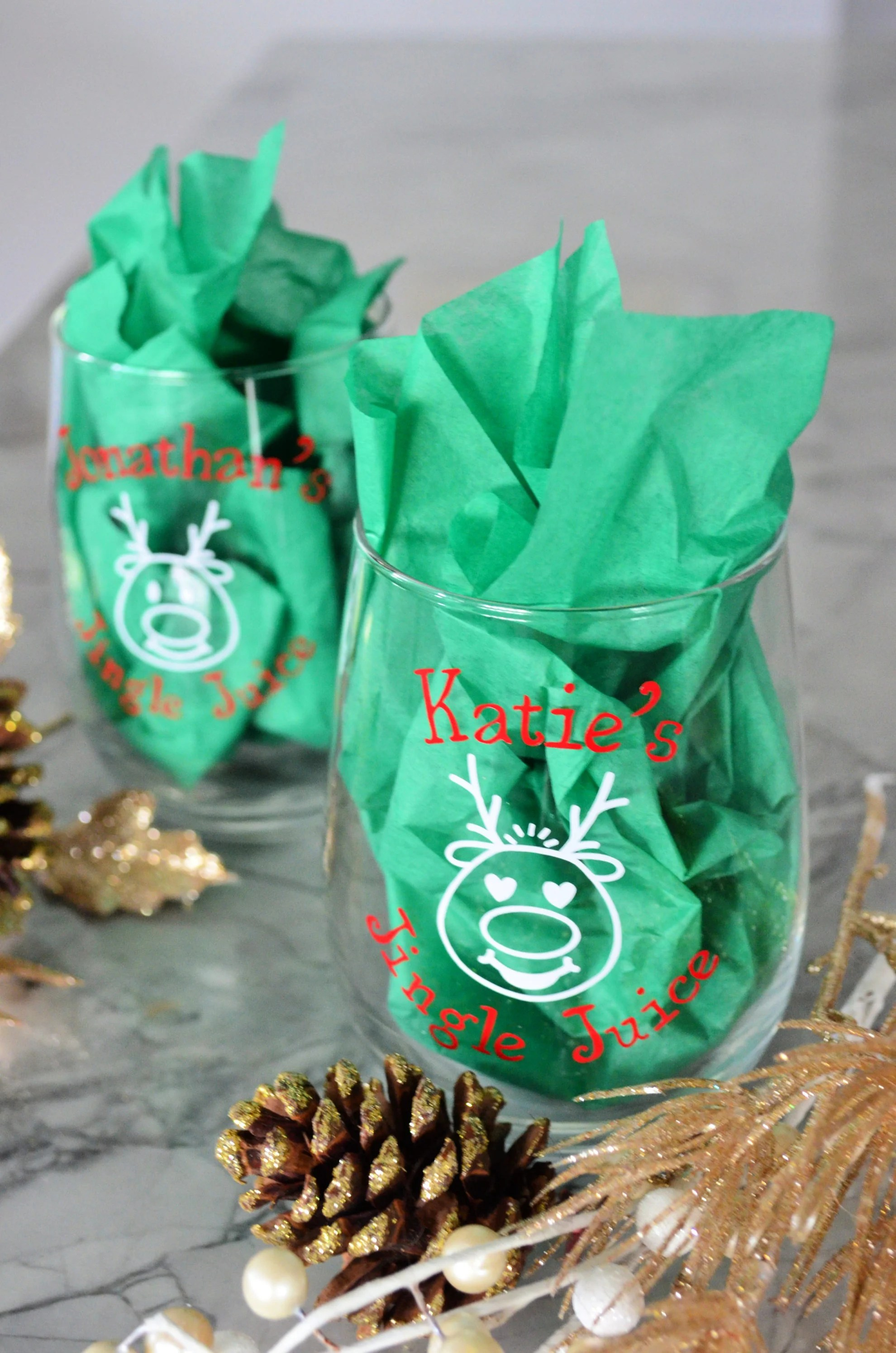 DIY Personalized Jingle Juice Christmas Wine Glasses