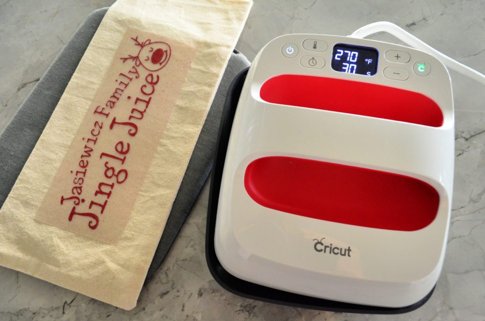 DIY Personalized Jingle Juice Wine Bag using the Cricut EasyPress2