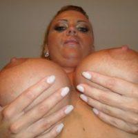 Vollbusige Frau sucht Kontakte