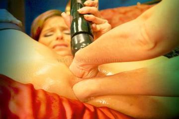 Двойной фистинг: глубокое анальное и вагинальное проникновение