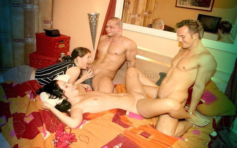 Фото: взрослые свингеры занимаются сексом