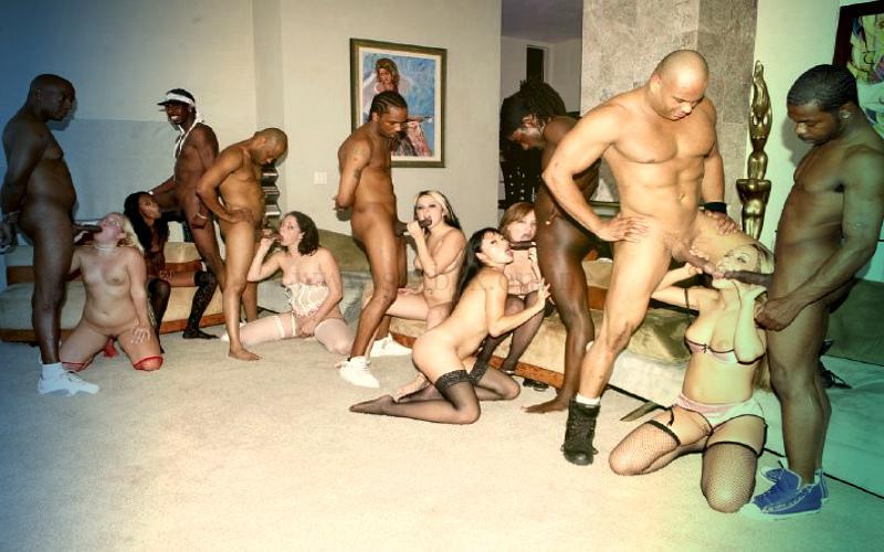 Фото: черно-белая оргия. Смотрите бесплатно на сайте sexbox online