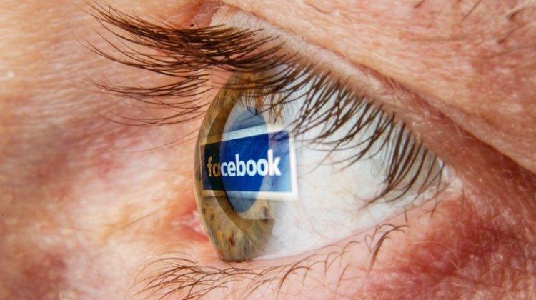 Οι Έλληνες πληκτρολογούν το Facebook για την ενημέρωσή τους
