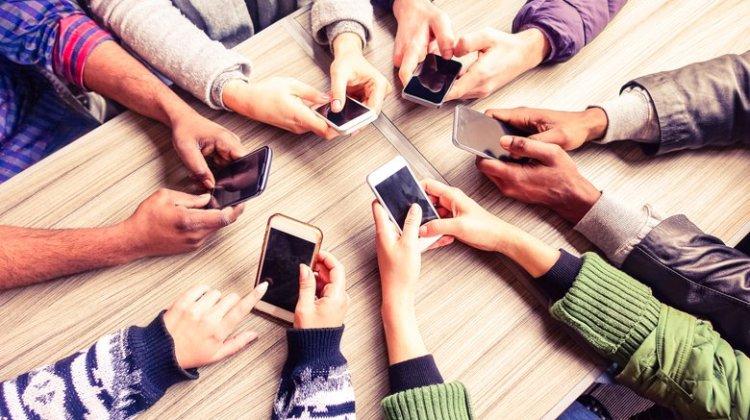 Οι Έλληνες δε βάζουν πια το χέρι στην τσέπη για αγορά υπολογιστών και έξυπνων κινητών