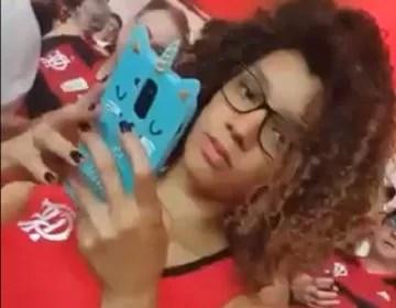 Lua Doideira sem calcinha no jogo do Flamengo sexo maluco
