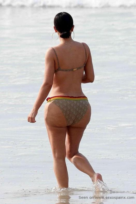 Un trasero como Dios manda Kim Kardashian.