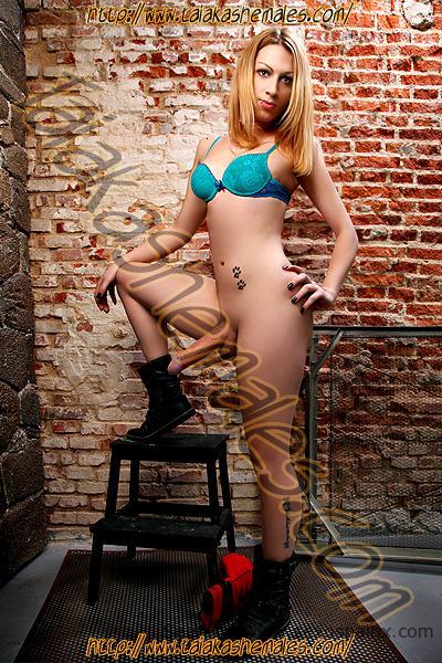 Por fin encontraste una linda sexy rubia travesti rusa Alexya Volkova