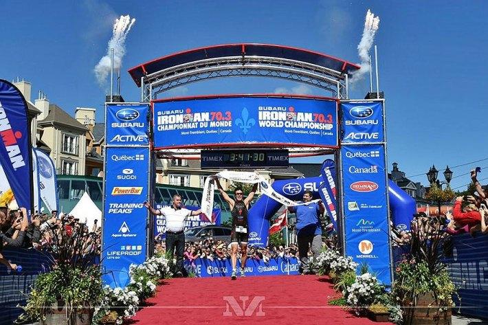 Proclamandose campeón del mundo Ironman 70.3. Fuente: javiergomeznoya.com