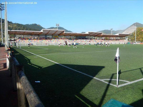 El campo de Urbieta acogerá el encuentro del domingo (Foto: www.soccerinternational.de)