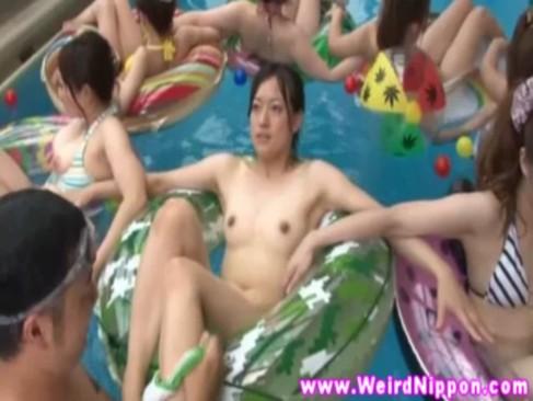 時間を止めて美少女のおまんこを代わる代わるてまんするエックスビデオ日本人無料