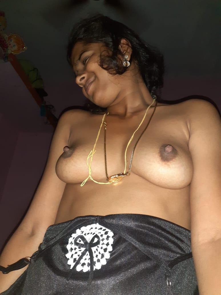 Sexy bhabhi ke boobs ki photos