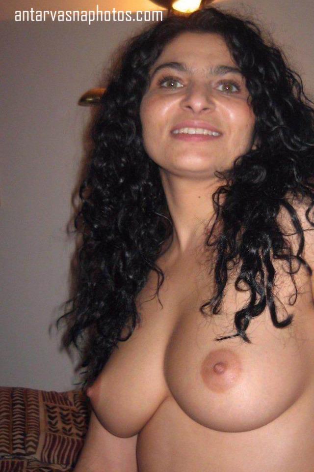 Sexy tight boobs ki photos