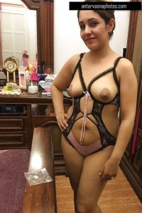 Desi wife ki soft chuchi ki photos