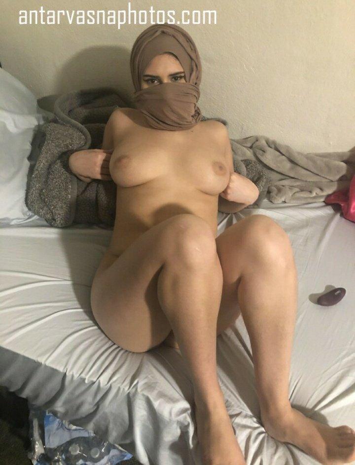 Fatima ki boobs aur chut ki photos