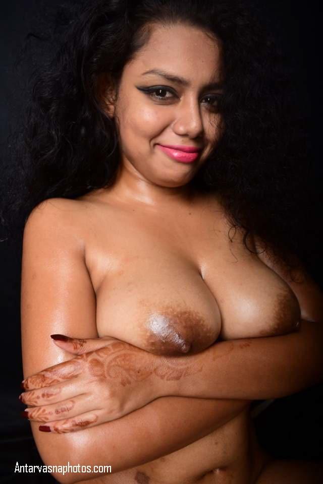 hot nude model boobs uthati