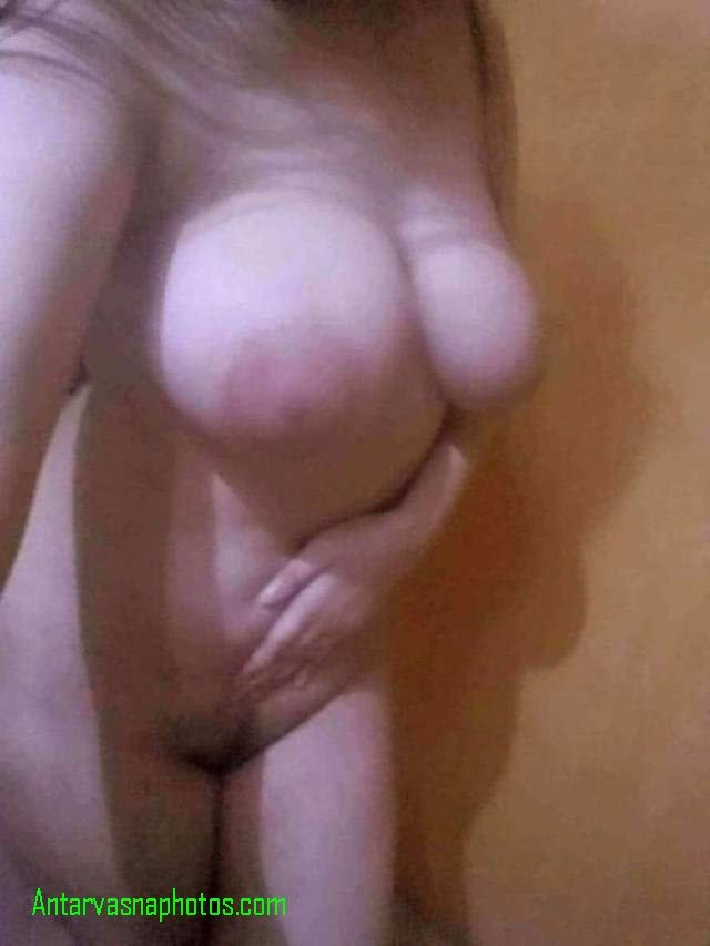 big boobs wali babe ki jhanton wali choot