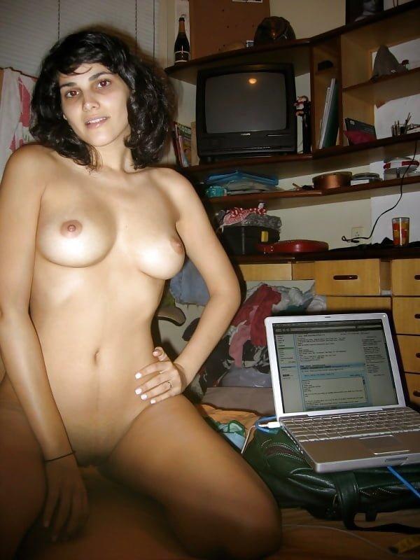 apna hot nude figure dikhati