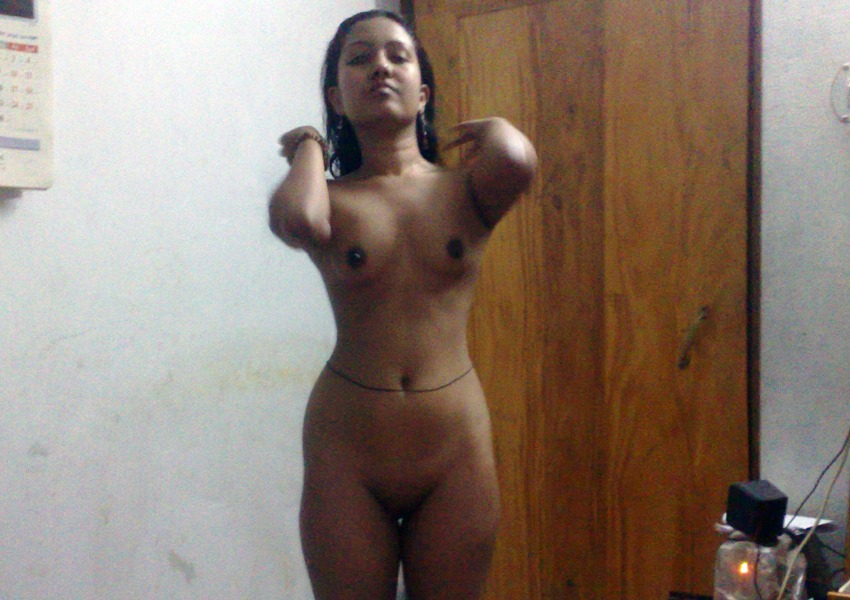 Monali ki hot nangi photos